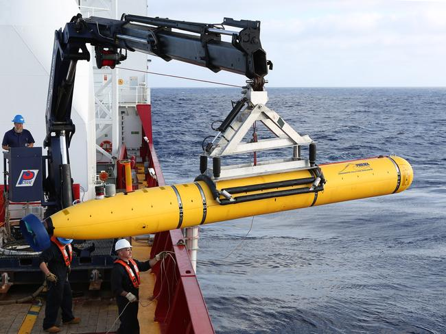 Found no evidence of disappeared plane ... Phoenix Autonomous Underwater Vehicle (AUV) Bluefin-21 is craned over the side of Australian Defence Vessel Ocean Shield.