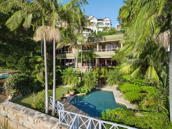 'Akuna' is positioned in Australia's most exclusive enclave.