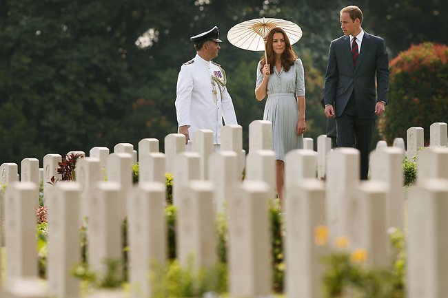 Kate and Wills remember the fallen