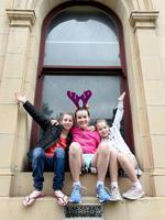 Taylor 9, Olivia, 10 and Amelia 10. Photo Naomi Jellicoe