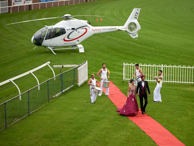 Divya and Gurjap arrived at Rosehill Gardens by helicopter. Picture: Southern Light Photography