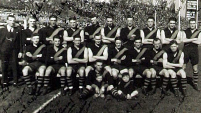 A picture of Richmond's 1929 team, that would go on to beat Collingwood in the semi-final.