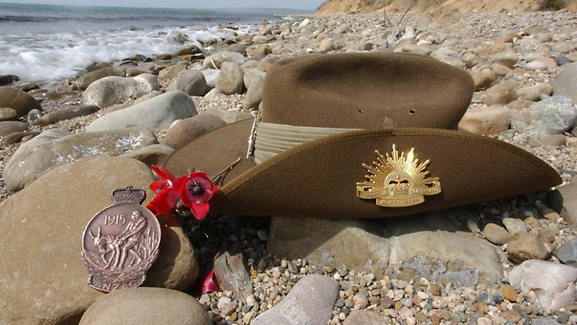 Iconic image ... the Rising Sun badge on a Digger s slouch hat. 1899c67d2