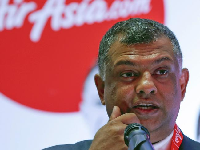 AirAsia boss Tony Fernandes has been lauded for how he's personally handled the QZ8501 tragedy.