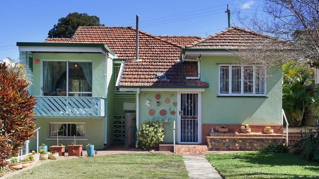 1920s Nundah home on quadruple block sells for $2.55m at auction