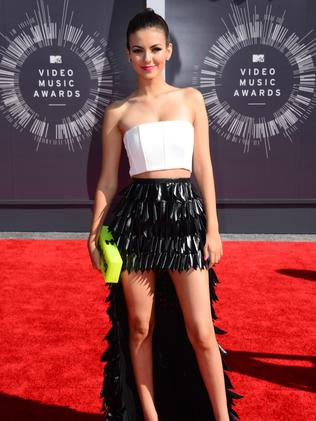 Victoria Justice arrives at the MTV Video Music Awards.