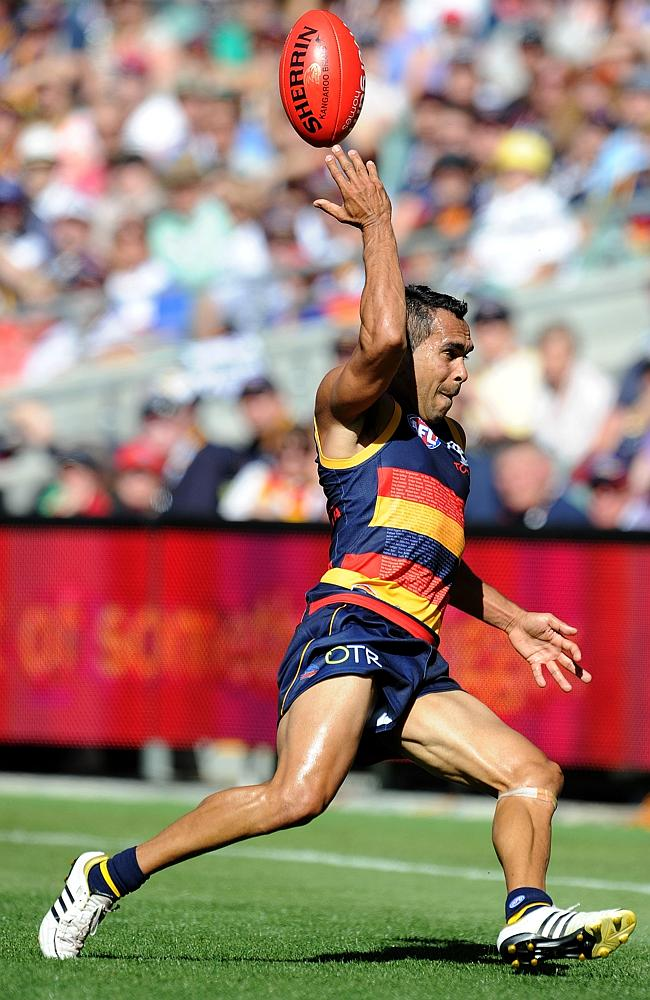 Crows forward Eddie Betts flicks the ball over his head. Picture: Mark Brake