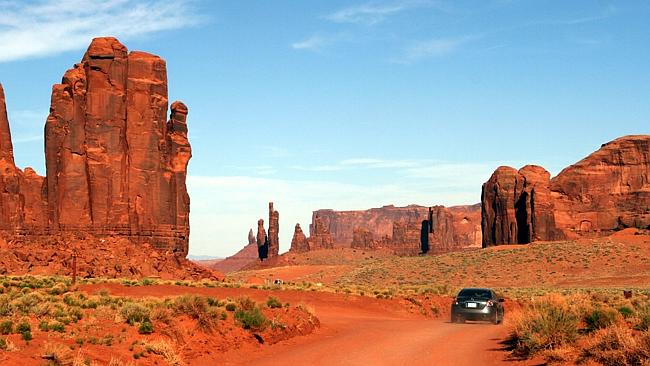 Self drive through Monument Valley, US.