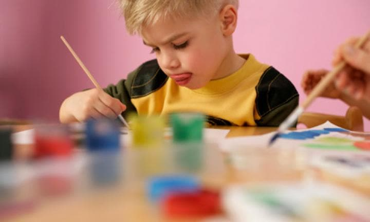 Mess-free kids' painting