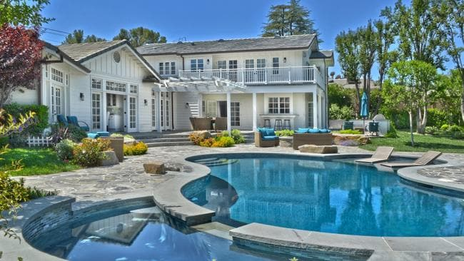 These are the hollywood homes of our homegrown aussie celebs for Stars houses in la