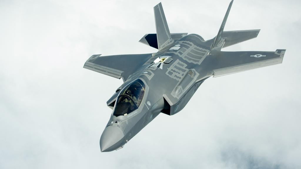 View of the SRC F-35 jet from above.