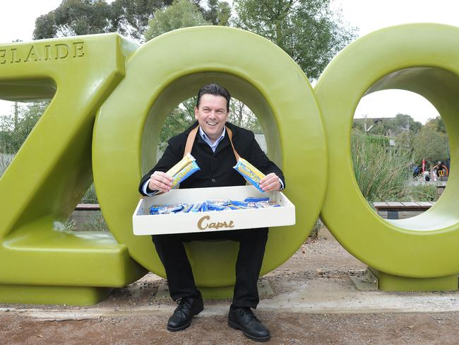 Independent SA Senator Nick Xenophon distributed Golden North ice-creams outside Adelaide Zoo earlier this week. Pic: Keryn Stevens