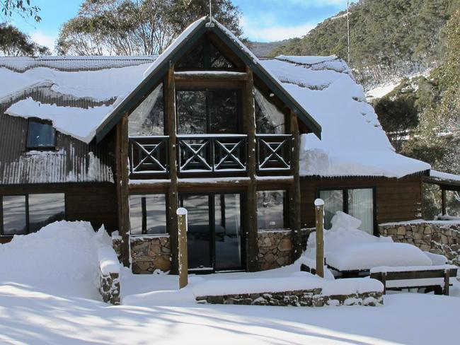 The Thredbo residence of real estate agent Doug Edwards, after heavy snowfall in July