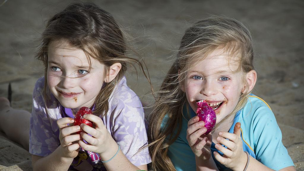 Easter 2017 opening hours melbourne supermarkets cinemas ruby 6 and lucy 5 tuck into easter eggs at port melbourne negle Images