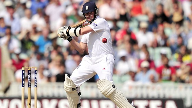 Graeme Swann's big hitting on day five was a stark contrast to England's batting on day three.