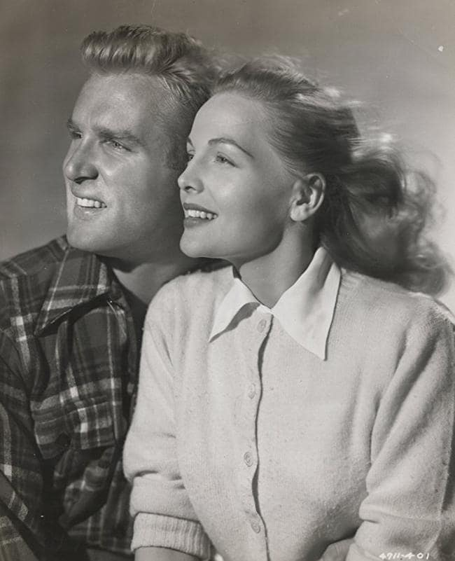 Elyse Knox and Joe Kirkwood Jr in the 1947 film The Knockout.