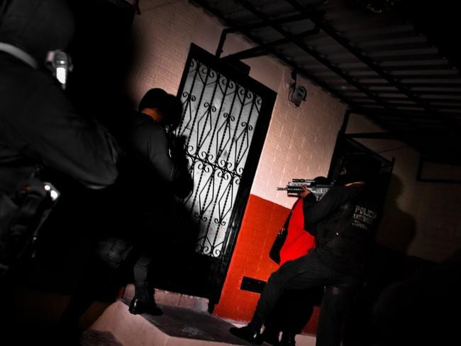 Policemen from the special anti-gang unit (Unidad Antipandillas). Picture: Jan Sochor.