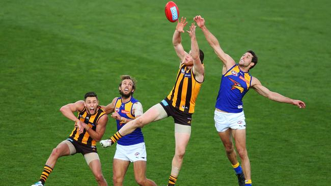 Hawk Jarryd Roughead flies high. Picture: Getty