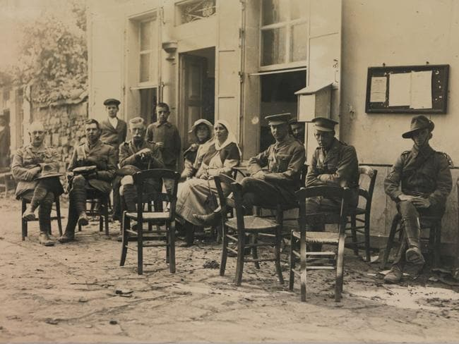 Anzac doctors and nurses at Portianou Coffee House. Picture: AW Savage Collection