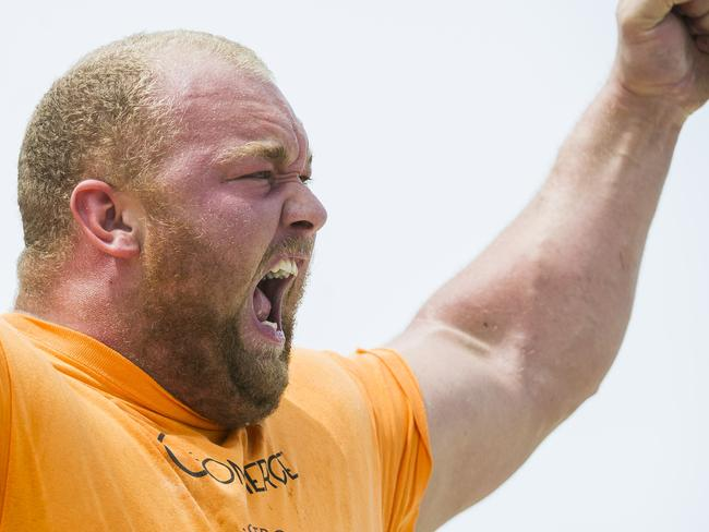 Hafthor Bjornsson, who played Gregor Clegane, is also a professional strongman.