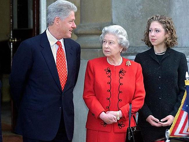 Queen with US Presidents: President Bill Clinton with Queen Elizabeth II and his daugher Chelsea. Photo: AFP