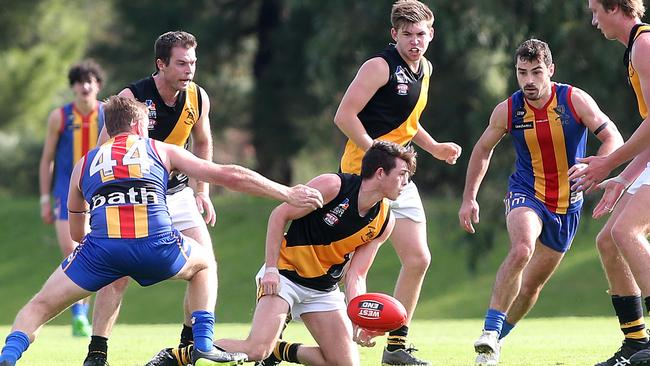 Adelaide Footy League Focus On Furniture Division 2 Round 5 Preview Gold Coast Bulletin
