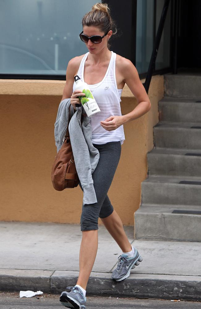 The Class with Taryn Toomey: Workout brings Naomi Watts to ... Gisele Bundchen Workout