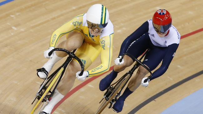 Anna Meares beats Victoria Pendleton in the sprint final at the London Olympics.