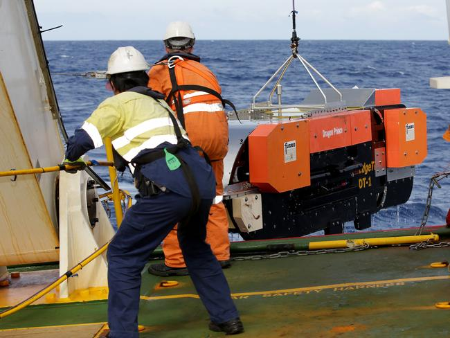 Search mission ... the Dragon Prince deep tow fish is recovered as Fugro Discovery completes the first stage of the hunt for MH370 continues. Picture: Supplied