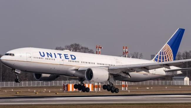 United airlines change flight date in Sydney