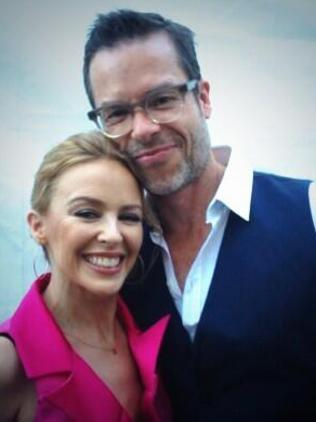 Kylie Minogue tweets a selfie with Guy Pearce. Picture: supplied.