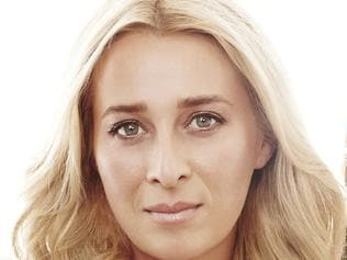 Asher Keddie and Kat Stewart in Offspring. Picture: Channel 10