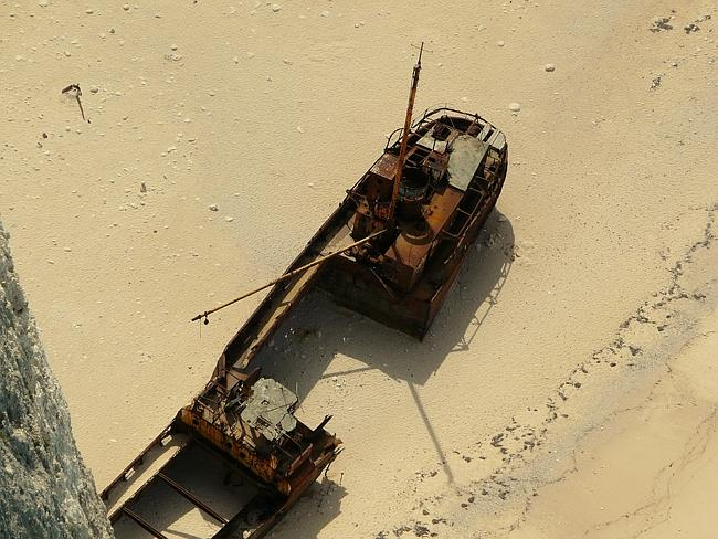 Explore the shipwreck. Picture: Anna Oates