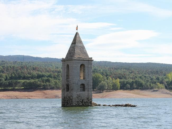 See the eerie cemetery at low tide. Picture: cocoate.com.