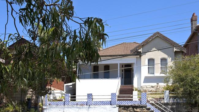 RIPE for renovation at 77 Sydney Rd, Manly.