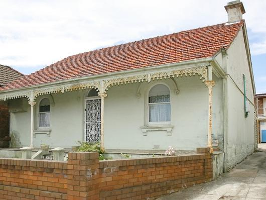 93 Hill Street, Leichhardt both before and after it's renovation. The home was purchased in 2008 for $950,000 and sold for $3.05 million in late 2015. NSW real estate.