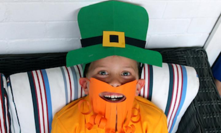 Make a leprechaun dress up