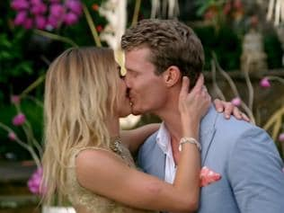 ***UNDER STRICT EMBARGO - DO NOT PUBLISH BEFORE 21:15 THURSDAY SEPTEMBER 15 2016*** The Bachelor 2016 finale