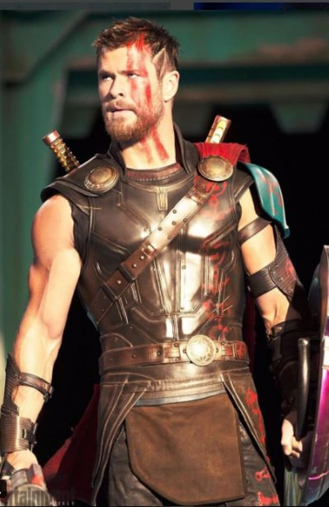 Hemsworth in a sneak peek scene from Thor: Ragnarok.