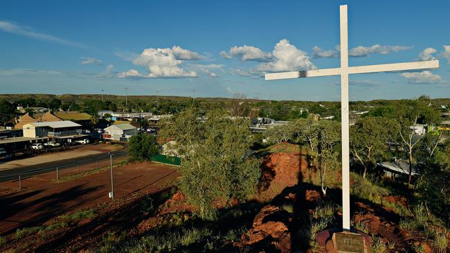A view over Tennant Creek from the top of Anzac Hill.