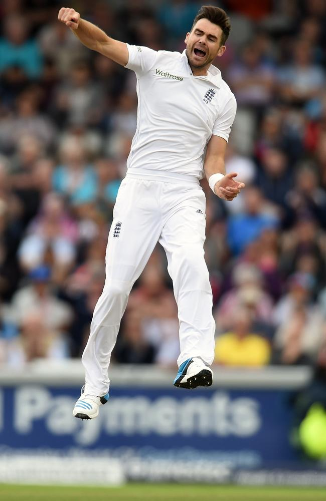 James Anderson leaps into the air after removing Virat Kholi in a crazy first hour in Manchester.