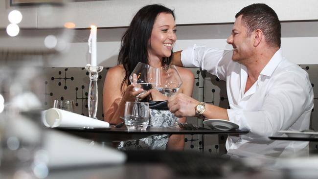 What to talk about online dating messages in Perth