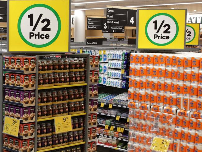 Woolies' woes mean cheaper prices