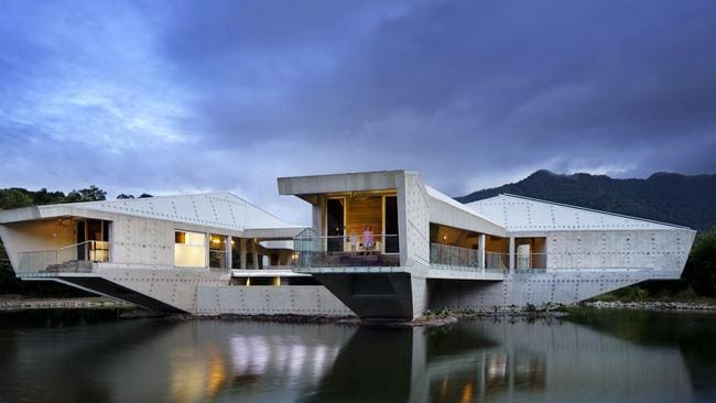 The stamp House in Cape Tribulation, by Charles Wright Architects. pic supllied.
