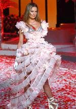 <p>Model Doutzen Kroes walks the runway at the Victoria's Secret Fashion Show at the Fontainebleau Miami Beach.</p>