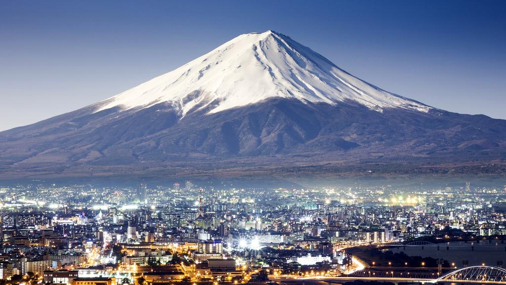 Climbing Japan S Mt Fuji Once In Your Life Is A Wise