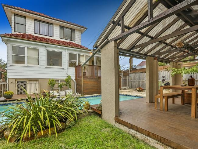 116 Warringah Rd, Narraweena, sold for $1,010,000 before its Sunday auction.
