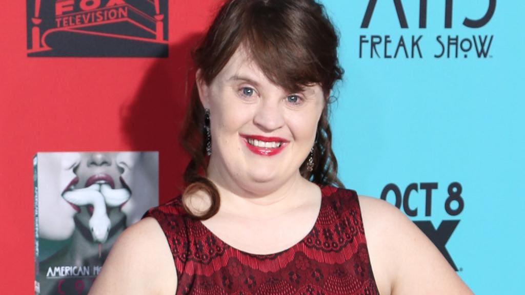 Jamie Brewer: First Down syndrome model to walk at New ...
