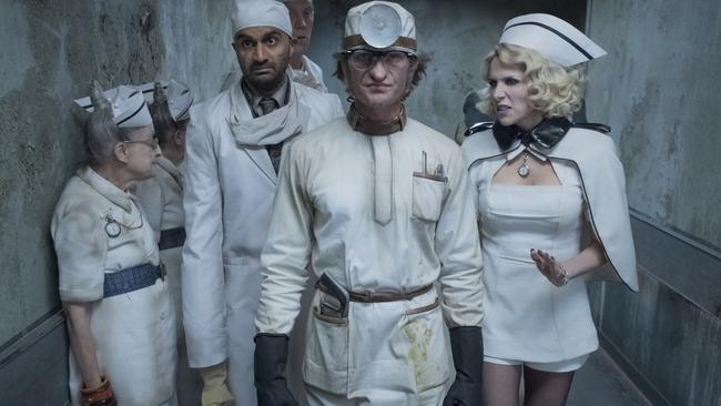 A Series of Unfortunate Events: Count Olaf (Neil Patrick Harris) and the equally dastardly Esmé Squalor (Lucy Punch) don disguises as medical staff at the Heimlich Hospital, as they continue their tireless pursuit of the Baudelaire orphans and their fortune.