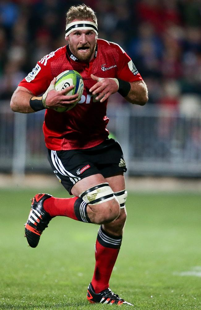 Kieran Read breaks away to score a try for the Crusaders.